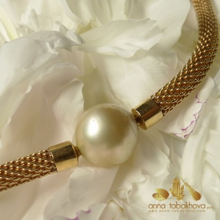 15,9 mm GOLD Pearl Clasp with a mesh chain (sold separatly)