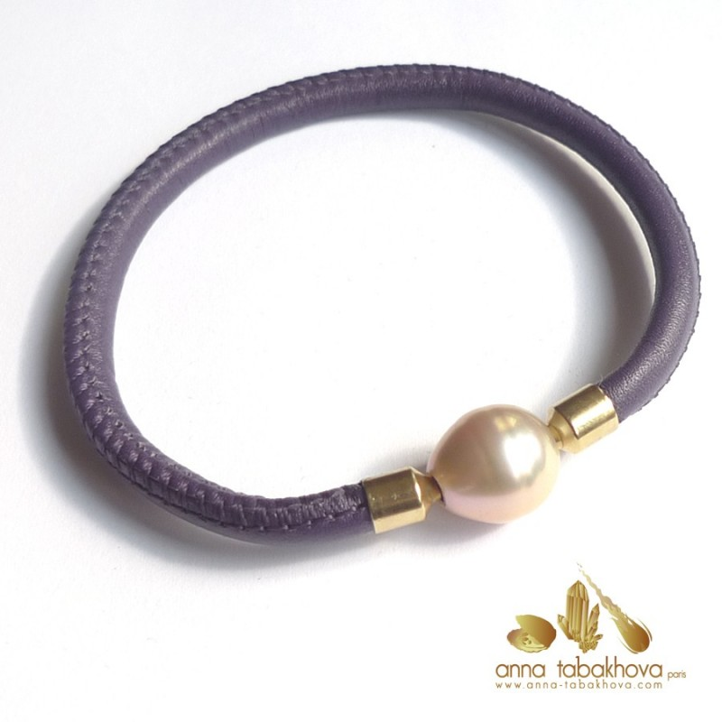 5 mm STITCHED Leather Bracelet in purple (pearl-clasp sold separatly) .